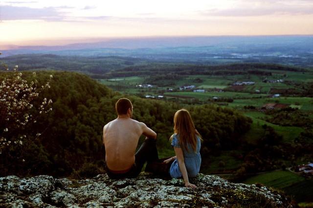 Как стать обаятельным - он и она смотрят на мир