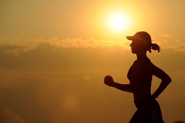 Как правильно бегать по вечерам начинающим?