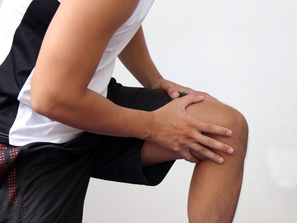 Больное колено картинка