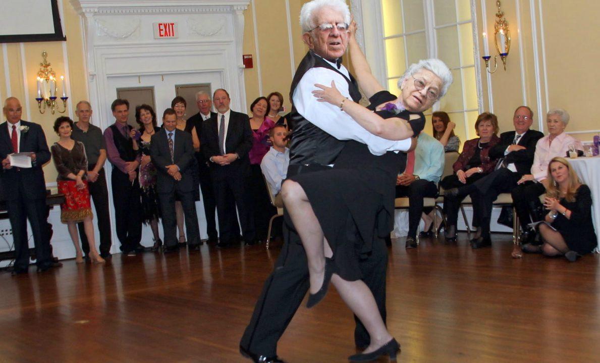 фото танец пожилые того, как