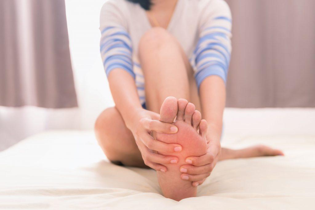Массаж ног для снятия усталости