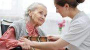 Как выбрать сиделку для пожилого человека