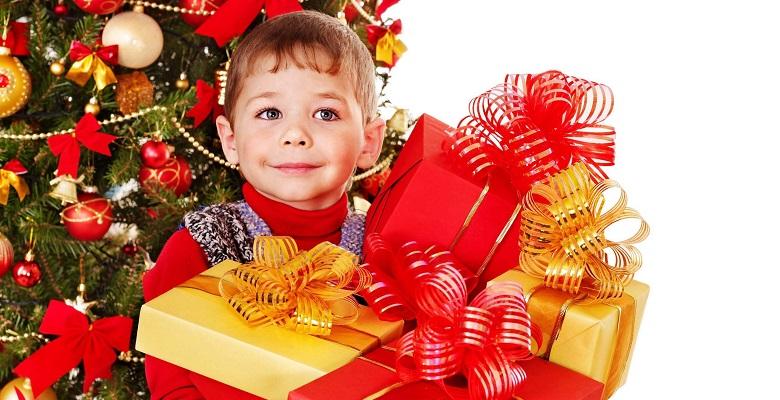 Отличные новогодние подарки на ёлку для детей всех возрастов